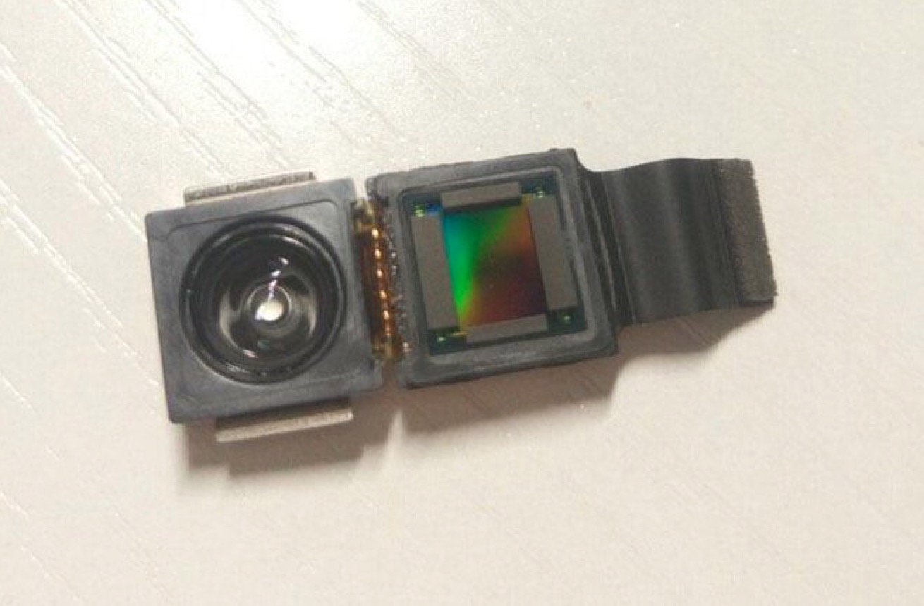 Photo Allegedly Shows 'iPhone 8' 3D Sensing Camera Module