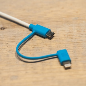 MacTrast Deals: Extra-Long MFi-Certified 2-in-1 iOS/Android Charging Cable: 3-Pack