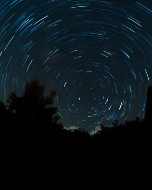 Wallpaper Weekends: Night Sky Time-Lapse for Mac, iPad, iPhone, and Apple Watch