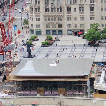 New Flagship Chicago Apple Store Boasts MacBook-Style Roof