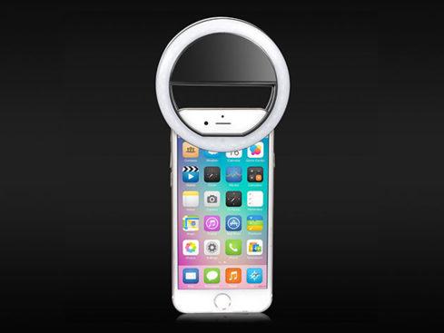 MacTrast Deals: Clip On Smartphone LED Selfie Light