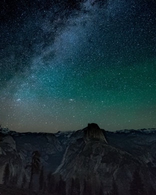 Wallpaper Weekends Night Sky Over Yosemite For Mac Ipad Iphone And Apple Watch