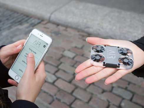 MacTrast Deals: AirSelfie2 Drone – The Phone-Controlled, Pocket-Sized Selfie Drone