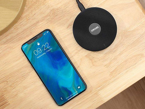 MacTrast Deals: Q3 Wireless Qi Charger – Cut the Cable with This Portable Powerhouse