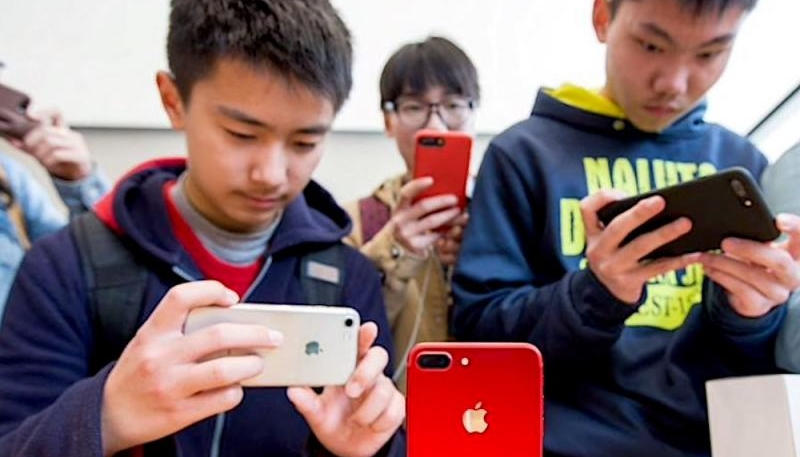 UBS: Worst is Over for iPhone Sales in China