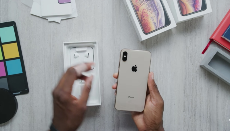 First iPhone XS Max Unboxing Videos Begin Hitting the Web as Devices Begin Shipping to Customers