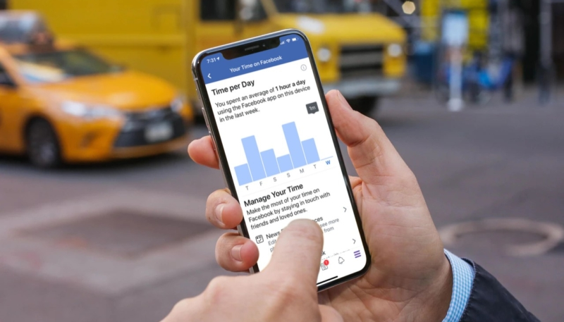 Facebook's New 'Your Time on Facebook' Feature Tracks How Long You Spend in the App