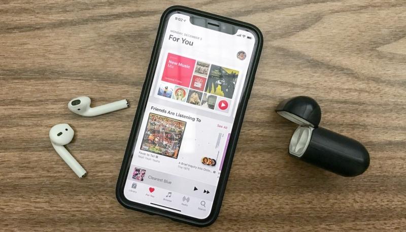 Fake 'AirPods 2' Marketing Stunt Fools Apple Fanbase