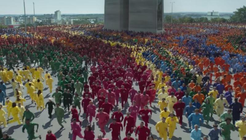 Apple Debuts New 'Color Flood' Ad Promoting iPhone XR's Liquid Retina Display
