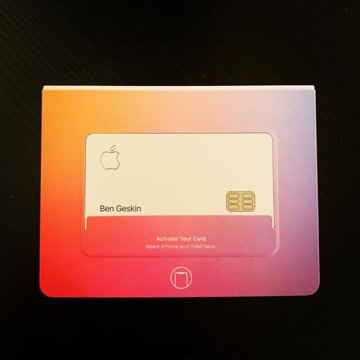 Apple Employees Start to Receive Apple Cards