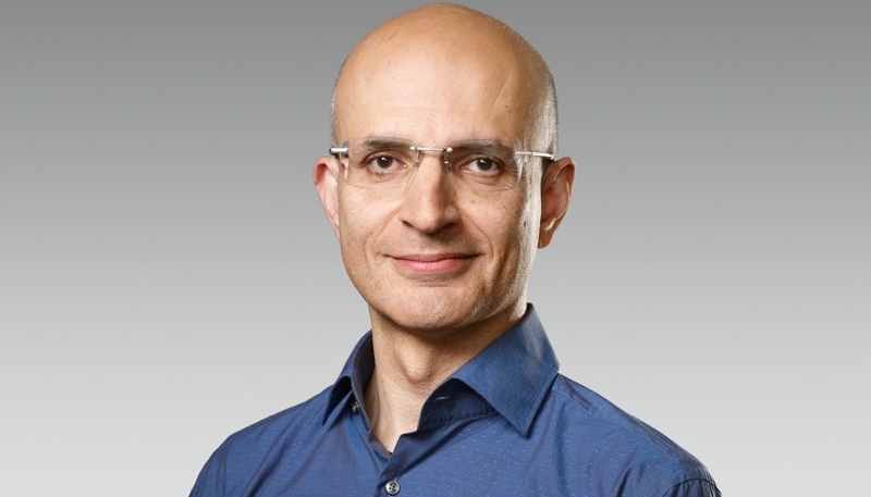 Apple Names Sabih Khan as Senior Vice President of Operations