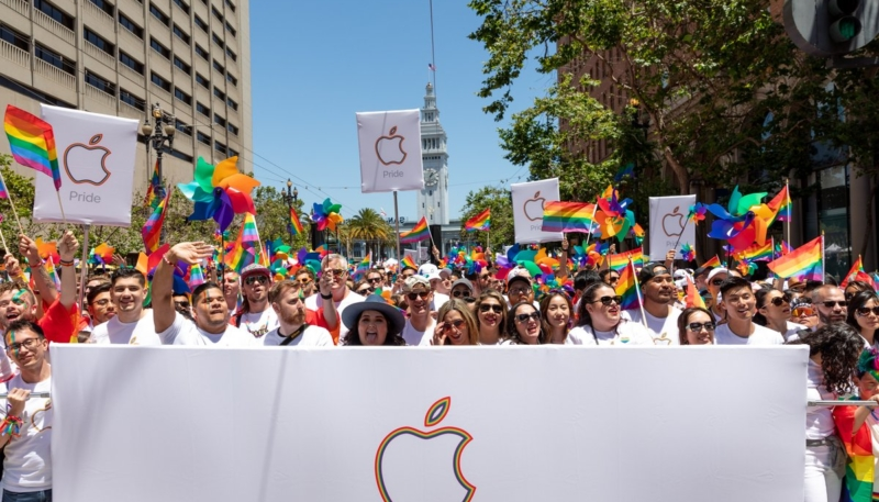 Tim Cook and Apple Employees Make Appearance at San Francisco Pride Parade