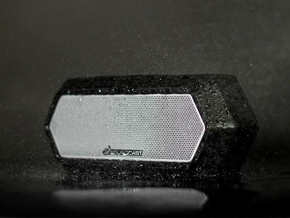 MacTrast Deals: Soundcast VG1 Premium Bluetooth Waterproof Speaker