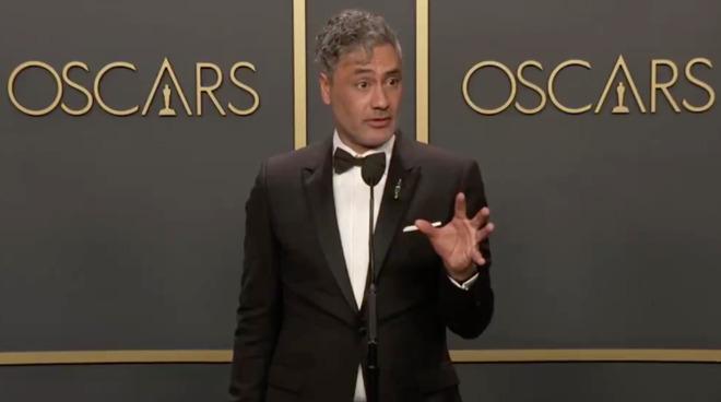 Oscar Winning Writer Taika Waititi Jokingly Slams Apple's Mac Keyboards