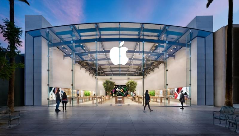Santa Monica Apple Store Employee Contracts COVID-19 Coronavirus