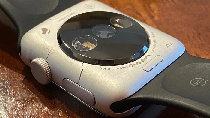 Rare Prototypes of the First Apple Watch Surface on The Web